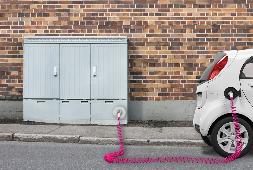 Telekom startet E-Ladenetz für Elektroautos